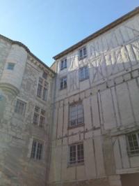 Gîte Château l'Évêque Gîte La Maison Du Thouin