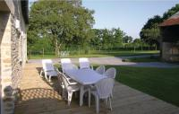 Location de vacances Saint Aubin du Cormier Location de Vacances Three-Bedroom Holiday home Dourdain 06