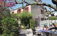 gite Jonquières Saint Vincent Three-Bedroom Holiday home Eyragues with a Fireplace 01
