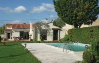 tourisme Cabannes Two-Bedroom Holiday home L'Isle sur la Sorgue with a Fireplace 08