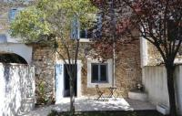 gite Joucas Three-Bedroom Holiday home Villes-sur-Auzon with a Fireplace 09