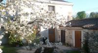 Location de vacances Saint Laon Gite De La Petite Poule Rousse