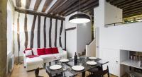 gite Paris 11e Arrondissement GowithOh Appartement Place des Vosges