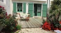 Location de vacances Loix Location de Vacances Rental Villa La Couarde Sur Mer Jolie Maison Domaine