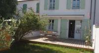 Location de vacances Loix Location de Vacances Rental Villa Ile De Re La Couarde Sur Mer Domaine