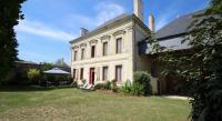 Location de vacances Saint Macaire du Bois Location de Vacances Domaine Des Roses