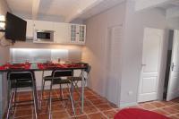 ALPILLES- Le Domaine d'Alèzen - N° 131145-cuisine