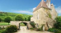 Location de vacances Lucy le Bois Location de Vacances Chateau De Sermizelles