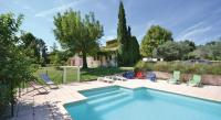 Location de vacances Monteux Location de Vacances Holiday Home Carpentras with a Fireplace 05