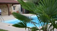 Location de vacances Montrollet Location de Vacances La Boulangeraie