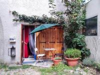 Location de vacances Vélizy Villacoublay Location de Vacances Holiday Home Rue de Versailles