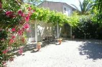 Location de vacances Mouriès Location de Vacances LES LAURIERS ROSES   N 971239