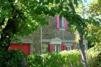 Location de vacances Vélieux Location de Vacances Maison De Vacances - La Caunette