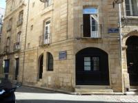 gite Montussan Appartement Place de la Bourse