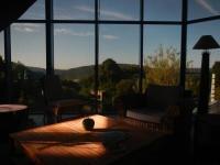 Location de vacances Saint Guen Location de Vacances La Maison De Verre