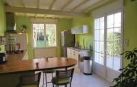 Location de vacances Pouançay Location de Vacances Holiday Home Montreuil Bellay with Fireplace 01