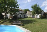tourisme Bors (Canton de Montmoreau Saint Cybard) Vakantiehuis La Faurie