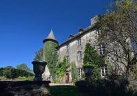 Gîte Sainte Geneviève sur Argence Gîte Château de Taussac