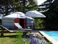 tourisme Satillieu Yourte d'Ardèche avec piscine privée