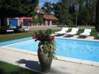 Location de vacances Ceyssat Location de Vacances Domaine de la Sérita