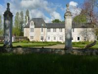 Gîte Saint Julien l'Ars Gîte LOGIS du Château du Bois Doucet