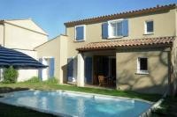 Location de vacances Castries Location de Vacances Holiday home L Enclos de l Aqueduc IV