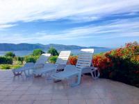 Location de vacances Ambiegna Location de Vacances L'Abri Cotier