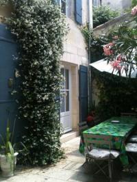 gite Arles La Maison Chartrouse