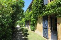 Location de vacances Villautou Location de Vacances Domaine la Grangette