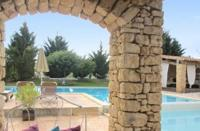 gite Roussillon Delosse Holiday Home