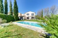 gite Simiane Collongue Inviting Provencal Villa