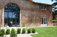Location de vacances Castelnau d'Estrétefonds Location de Vacances La Bastide rouge