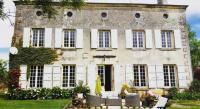 Gîte Aujac Gîte Chateau Des Granges