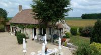 Location de vacances Montbarrois Location de Vacances Maisonnette de charme