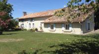 Location de vacances Plassac Rouffiac Location de Vacances Le Jardin du Berger
