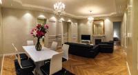 gite Paris 10e Arrondissement Eiffel Tower Luxurious Modern Flat