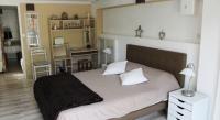Gîte Villelaure Charmant gîte 2 chambres avec piscine