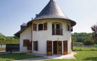 Gîte Arrast Larrebieu Three-Bedroom Holiday Home in Lucq de Bearn