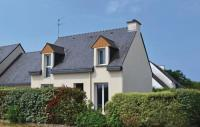 Location de vacances Locmariaquer Location de Vacances Three-Bedroom Holiday Home in St Philibert