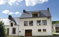 tourisme Cléguérec Three-Bedroom Holiday Home in Guern