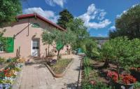 tourisme La Garde Two-Bedroom Holiday Home in Toulon