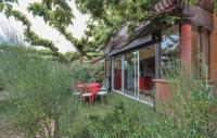 Résidence 3 étoiles Nans les Pins Two-Bedroom Apartment in La Cadiere D'Azur
