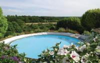 Location de vacances Mondion Location de Vacances Studio Holiday Home in Serigny