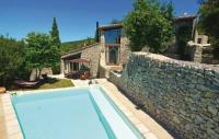 gite Saint Pons la Calm Four-Bedroom Holiday Home in Bouquet