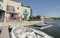 tourisme Bernis Three-Bedroom Holiday Home in Aigues-Mortes