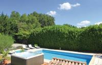 gite Sauzet Three-Bedroom Holiday Home in Puygiron