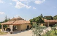 gite Saint Rémy de Provence Four-Bedroom Holiday Home in Velleron