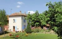 Location de vacances Soyons Location de Vacances Studio Holiday Home in Alboussiere