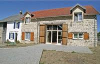 Location de vacances Folles Location de Vacances Studio Holiday Home in Saint Dizier Leyrenne