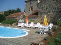 Location de vacances Prayssac Location de Vacances Holiday home Le Barbut